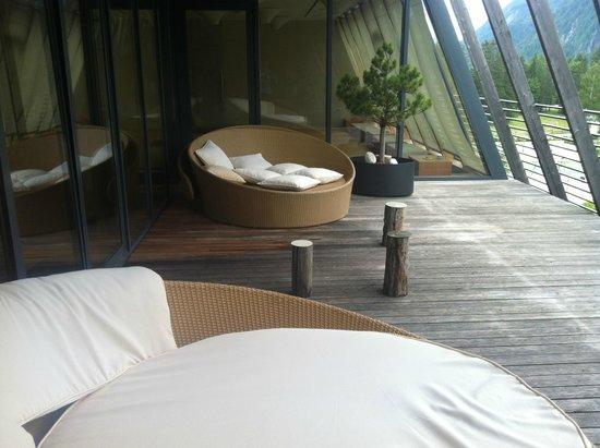 Hotel Spik Alpine Wellness Resort: Resting spot just outside the fitness