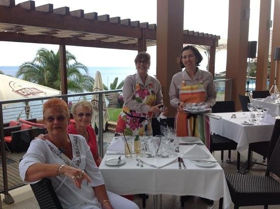 Pestana Promenade Ocean Resort Hotel: service with a smile, lovely staff