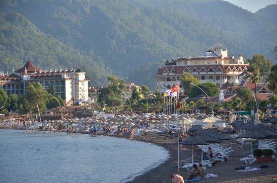 Fortuna Beach Hotel : The Beach in front of Fortuna Beach.
