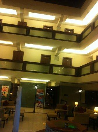 Sandhya Resort & Spa Manali: view from 3rd floor