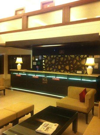 Sandhya Resort & Spa Manali: Hotel reception