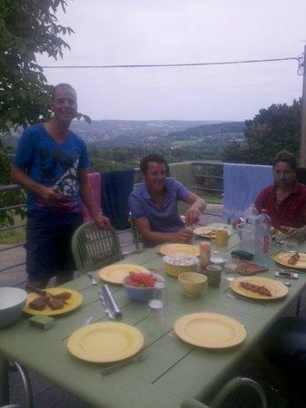 Gites Hagoheid: uizicht tijdens barbeque vanaf terras.