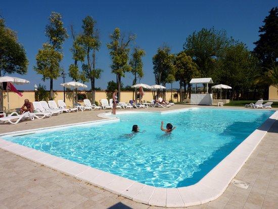 Villa Fiorita Hotel: Piscina