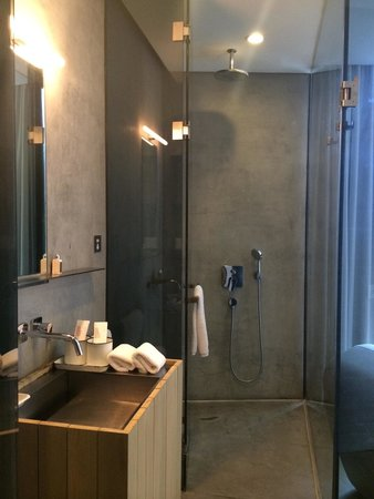 The Waterhouse At South Bund: shower room 13