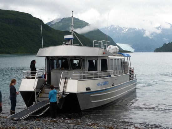 Kenai Fjords Glacier Lodge: the boat to and from Seward