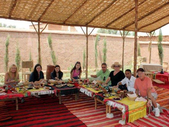 Visite de village foto di atelier de cuisine chef tarik for Atelier cuisine marrakech