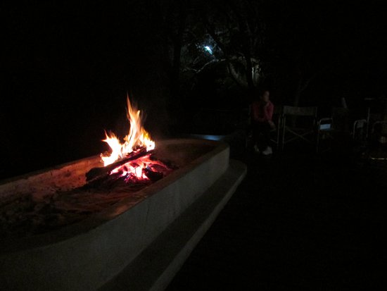 Shackletons : The (appreciated) evening fire