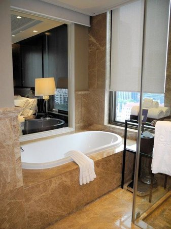 Hotel Muse Bangkok Langsuan, MGallery Collection: Nimman Suite