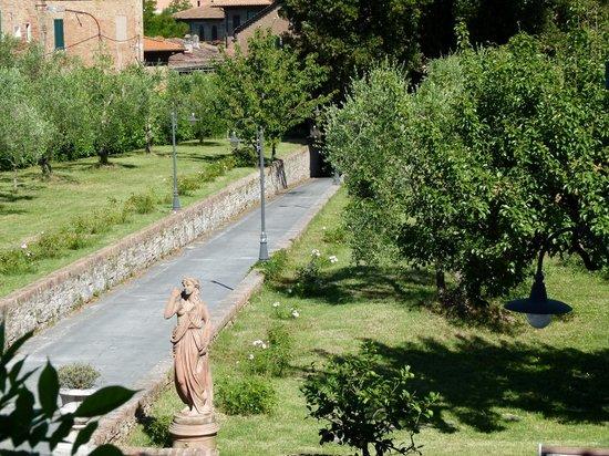 Palazzo di Valli: Vista do jardim