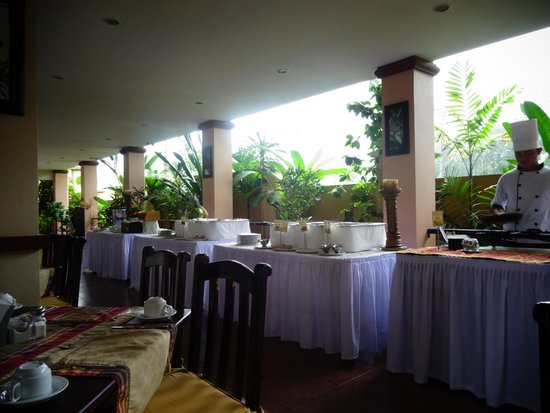 Hotel Magic Mountain : Breakfast Buffet Area