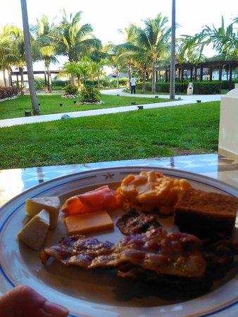 Iberostar Grand Hotel Rose Hall : breakfast
