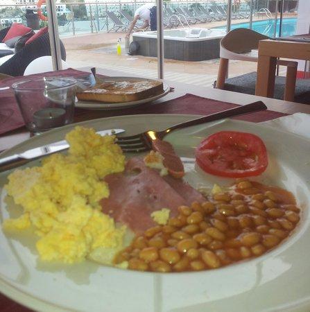 Servatur Casablanca Hotel : breakfast 08:00