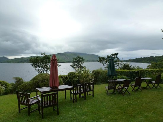 Carrig Country House & Restaurant : Back yard of the Carrig Country House
