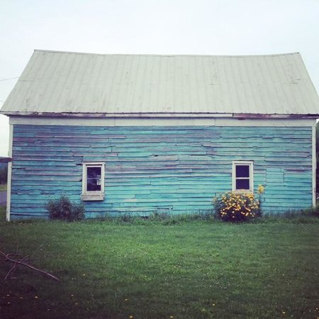 Turquoise Barn: The Barn that gives the TB its name ...
