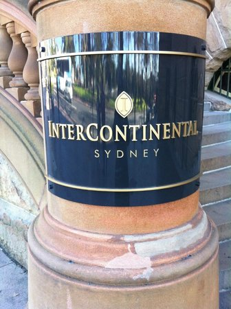 InterContinental Sydney: Entrance Sign