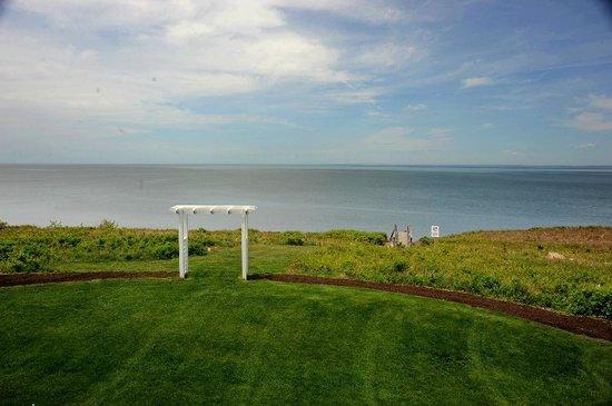 Cliffside Resort Condominiums: Breathtaking Views!