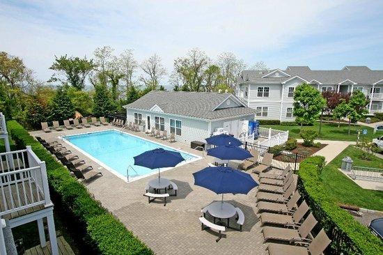 Cliffside Resort Condominiums: Private Pool