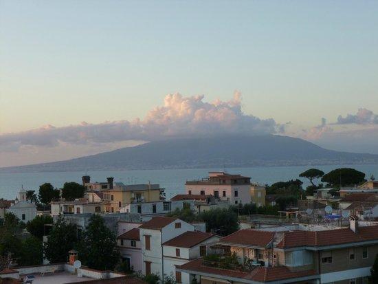 Hotel Caravel Sorrento: Vesuvius