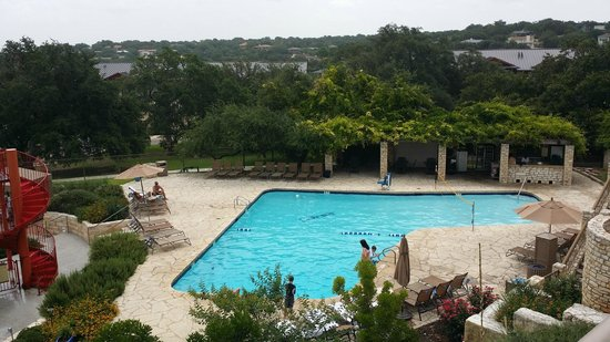 Lakeway Resort and Spa: Deep pool with volleyball