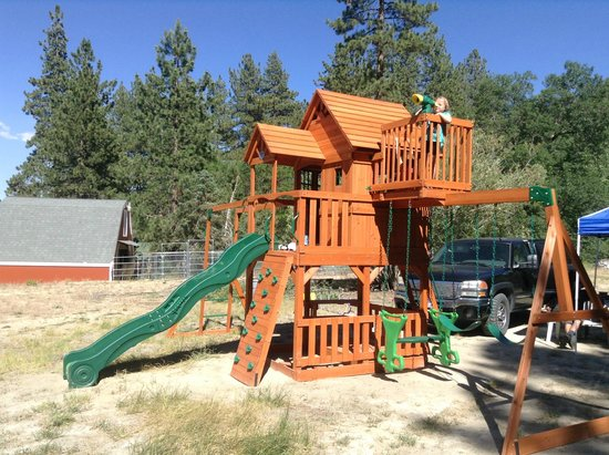 Pine Knot Guest Ranch: Enjoy our new playset