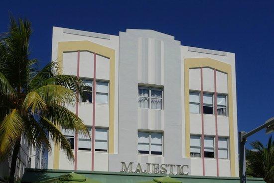 Art Deco Historic District: Majestic