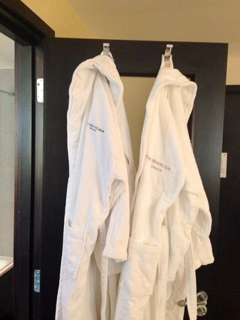 The Montcalm at the Brewery London City : Complimentary bathrobes (and slippers) to use during stay