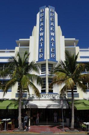 Art Deco Historic District: Breakwater Hotel
