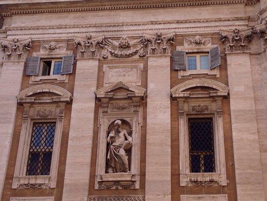 Basilica di Santa Maria Maggiore : Facciata ( particolari )
