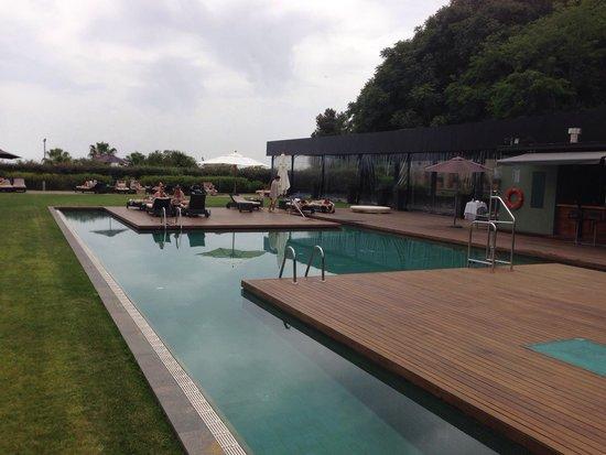 Hotel Miramar Barcelona: Piscina