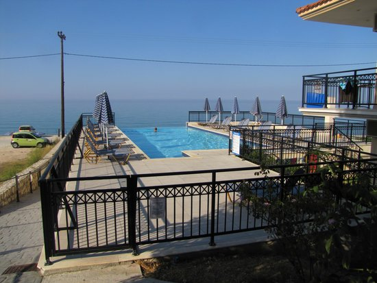 Lourdas Beach Apartments Infinity Pool