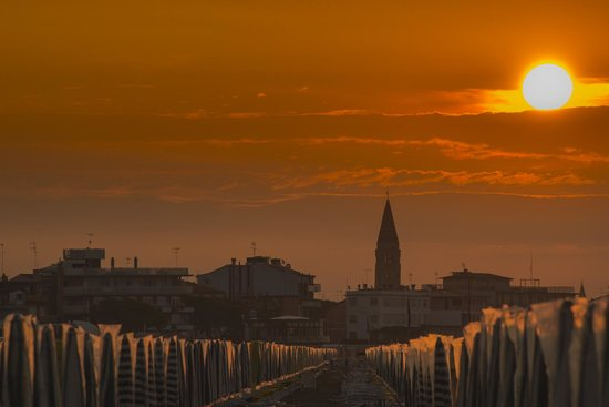 Petit Hotel: Sonnenaufgang am Strand vom Hotel