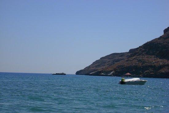 Yota Beach Hotel: La spiaggia