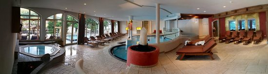 Hotel Excelsior: Pool area