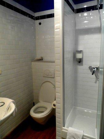 Downtown-BXL: Bathroom