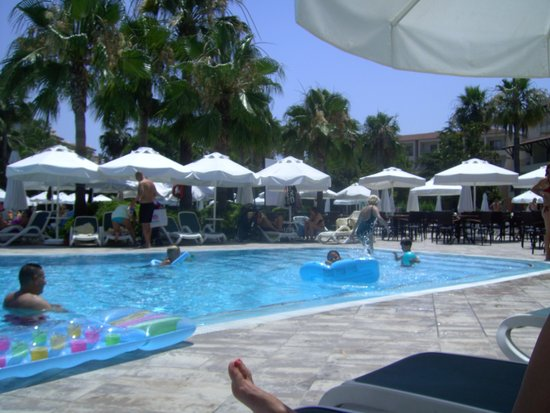 Barut Hemera: main pool