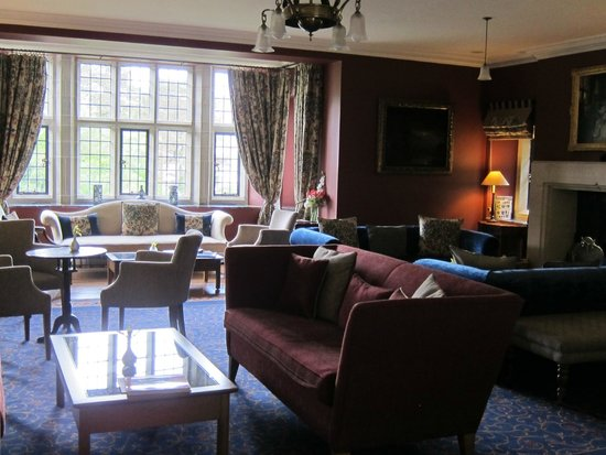 Ard na Sidhe Country House: Living Room/Parlor of Hotel