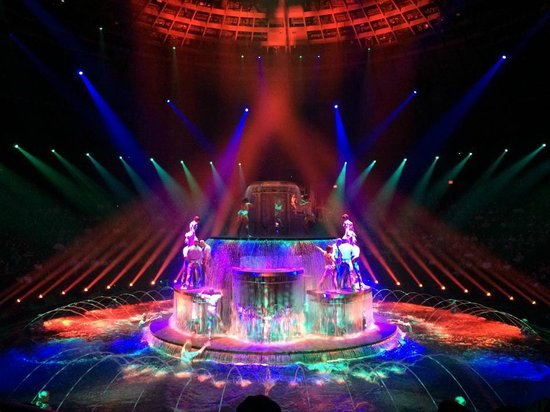 Wynn Las Vegas: 'La Reve' - this show is so beautiful.
