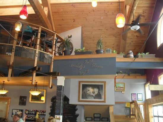 Barrel Oak Winery: Inside loft