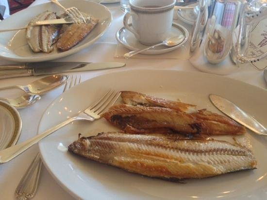 The Mount Hotel: kippers for breakfast!