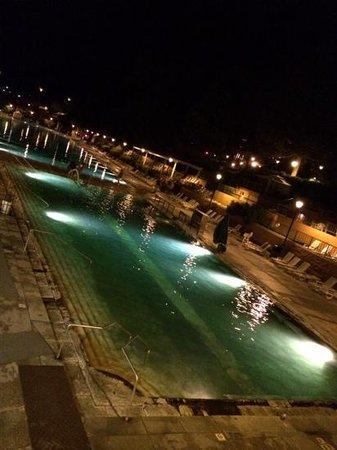 Glenwood Hot Springs Pool: spring at night