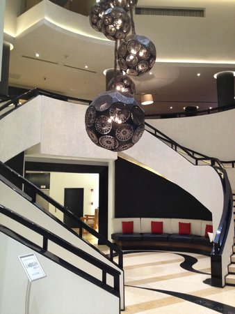 Le Meridien Mexico City: Le Meridien Lobby Staircaise