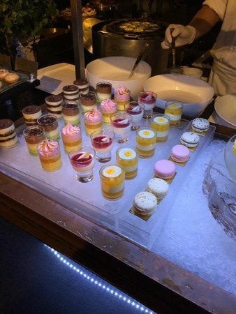 Mandarin Oriental, Bangkok: The very best buffet you will ever eat