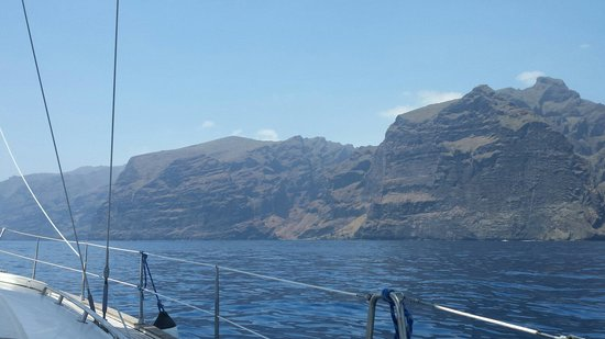 MPC Yacht Charter: Los Gigantes