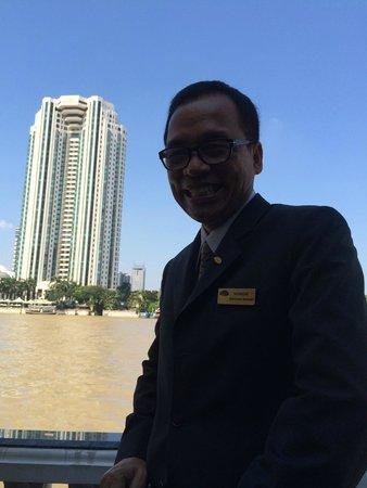 Mandarin Oriental, Bangkok : This chap is the best!