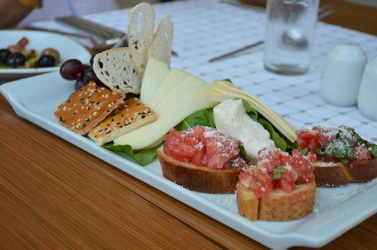 SENTIDO Perissia: Small appetizers at the Italian restaurant