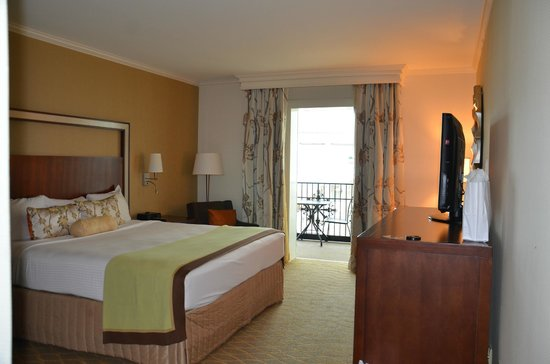 Gaylord Opryland Resort & Convention Center: Room with balcony in Magnolia section