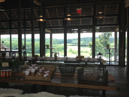 Wyebrook Farm Cafe and Market: Indoor seating with view