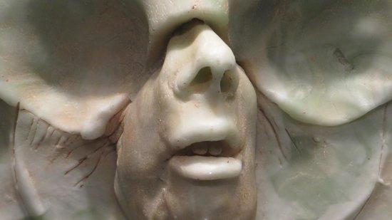 Corning Museum of Glass: Glass sculpture