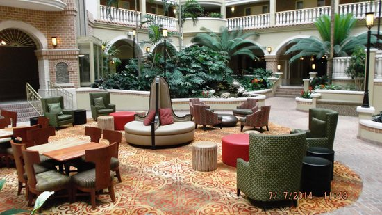 Embassy Suites by Hilton Orlando - North: Atrium, great for eating, reading, lounging, and mingling