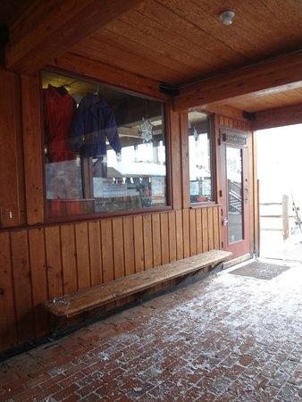 Sunlight Mountain Resort: Ski rental shop